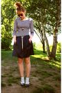 Vintage-shoes-zara-skirt-naf-naf-t-shirt-rayban-sunglasses