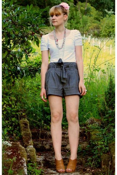 H&M t-shirt - Cache Cache necklace - Pimkie shorts