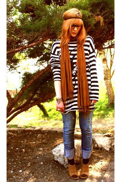 blue Zara jeans - black Promod sweater - brown H&M scarf - brown vintage shoes -