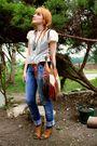 Beige-kookai-t-shirt-black-h-m-t-shirt-zara-used-jeans-zara-accessories