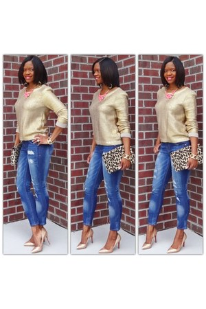 gold metallic sweater - denim jeans - leopard print purse - gold metallic pumps