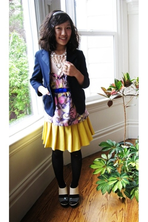 thrifted blazer - Manoush top - vintage skirt - PLV shoes - f21 necklace - Targe