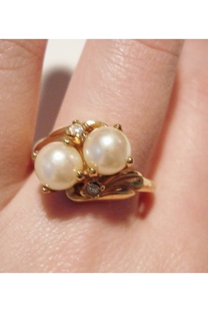 gold ring vintage accessories