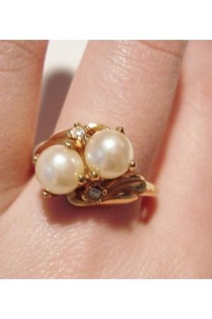 Gold-vintage-accessories