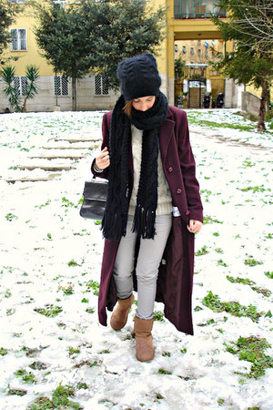 Emu boots - Zara jeans - Bershka sweater