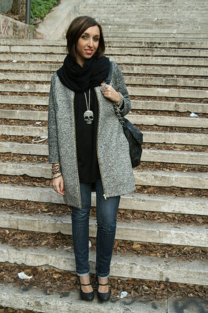 Pull and Bear coat