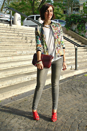 Zara jacket - Mango jeans - Zara t-shirt - Stradivarius heels