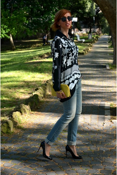 Levis jeans - Nara Camicie shirt - H&M sunglasses - Christian Louboutin heels