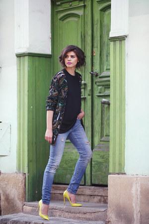 H&M t-shirt - Zara jeans - Musette heels