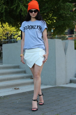 white Zara shorts - carrot orange Topshop hat - silver Aritzia t-shirt