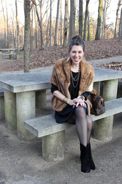 fur vintage coat - suede Sigerson Morrison boots