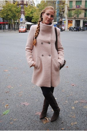 Zara coat - Nine West boots - Levis jeans