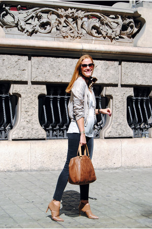 Massimo Dutti top - Zara jeans - Zara blazer - Carolina Herrera bag