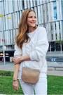 Zara-shoes-mango-jeans-suiteblanco-sweater-carolina-herrera-bag