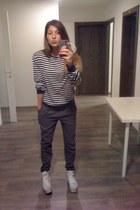 navy my boyfriend sweater - gray H&M pants