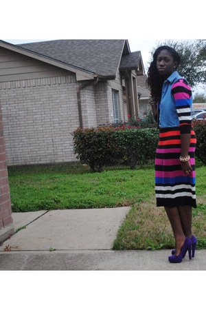 red Old Navy dress - blue Levis vest - purple suede Bakers pumps