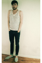 white espadrilles H&M shoes - navy skinny jeans hollister jeans