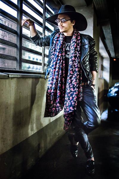 black Zara shoes - black Zara hat - floral H&M scarf