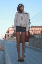 white H&M blouse - black Pura Lopez heels - red vintage wallet