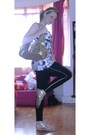 Black-leggings-white-top-silver-shoes-gold-dolce-and-gabbana-purse-white