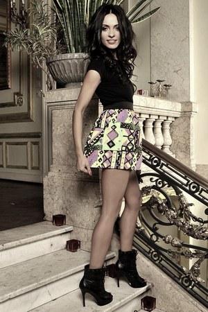 Laura Lazar skirt - Laura Lazar t-shirt - Aldo heels