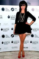 black Sweet Paprika dress - black Sweet Paprika hat - red poema heels