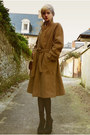 Camel-mac-thrifted-coat-camel-beret-thrifted-hat-ivory-collar-thrifted-shirt