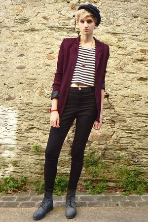 maroon second hand blazer - charcoal gray lace up second hand boots