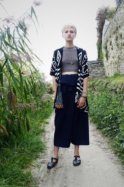 black kimono Yesfor cardigan - navy thai pants DIY pants