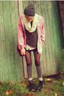 Pink-lee-cooper-coat-black-new-yorker-boots-gray-beanie-ebay-hat