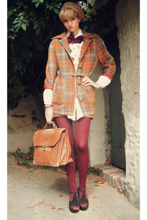 carrot orange plaid Secondhand coat - camel beret Secondhand hat