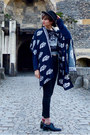 Black-felt-second-hand-hat-navy-printed-the-orphans-arms-sweater