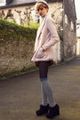 Light-pink-buttoned-h-m-jacket-beige-beanie-asos-hat