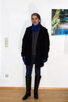 gray quilted Mango vest - black leather Leonardo Principi boots