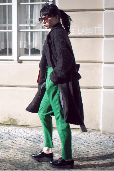 black weekday coat - green H&M pants - black vagabond flats
