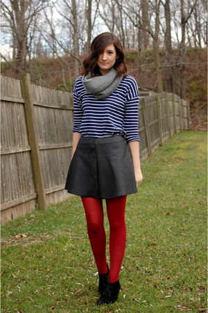 dark gray faux leather skirt - navy striped Gap shirt - crimson tights