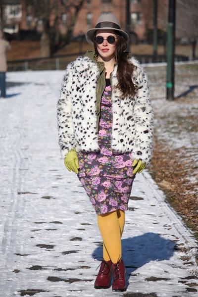 army green Zara jacket - maroon lace-up Topshop boots