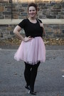 Light-pink-tulle-zara-dress-black-chain-strap-bag