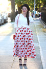 Red-poppie-print-skirt-black-nordstrom-hat-white-cotton-tee-shirt