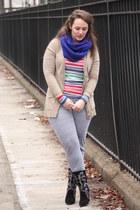 black embroidered Zara boots - tan merino wool banana republic sweater