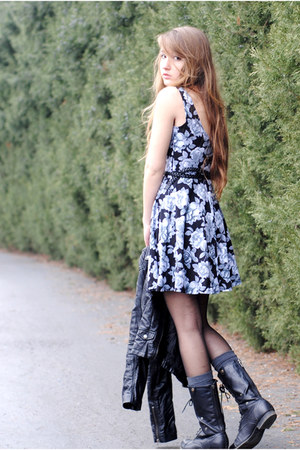 black lace up Forever 21 boots - black floral Urban Outfitters dress