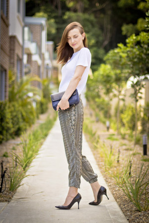 Zara pants - cotton t Witchery shirt - pointy toe D&amp;G heels