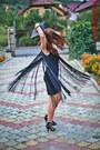 Black-coral-dress-black-sandals