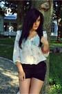 Bershka-shorts-stradivarius-blouse