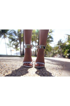 white metalic River Island sandals