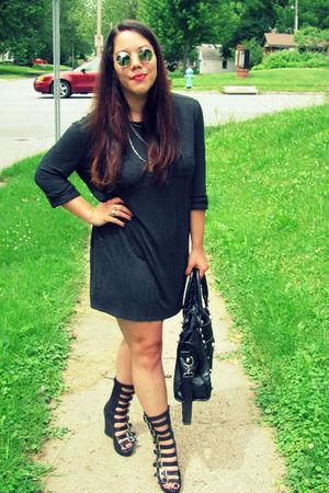 gray t by alexander wang dress - black Jeffrey Campbell shoes - black mall purse