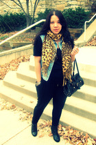 Ebay scarf - Goodwill vest - American Apparel shirt - Forever21 pants - Italy pu