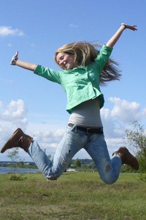 Bershka jeans - Wawa boots - H&M jacket - pull&bear t-shirt