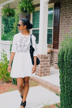 white dress dress - black suede Zara bag
