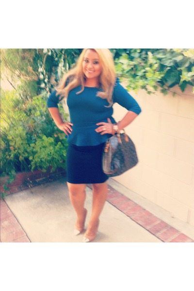 Cape toe pumps heels - speedy 30 Louis Vuitton bag - dark blue Forever 21 skirt
